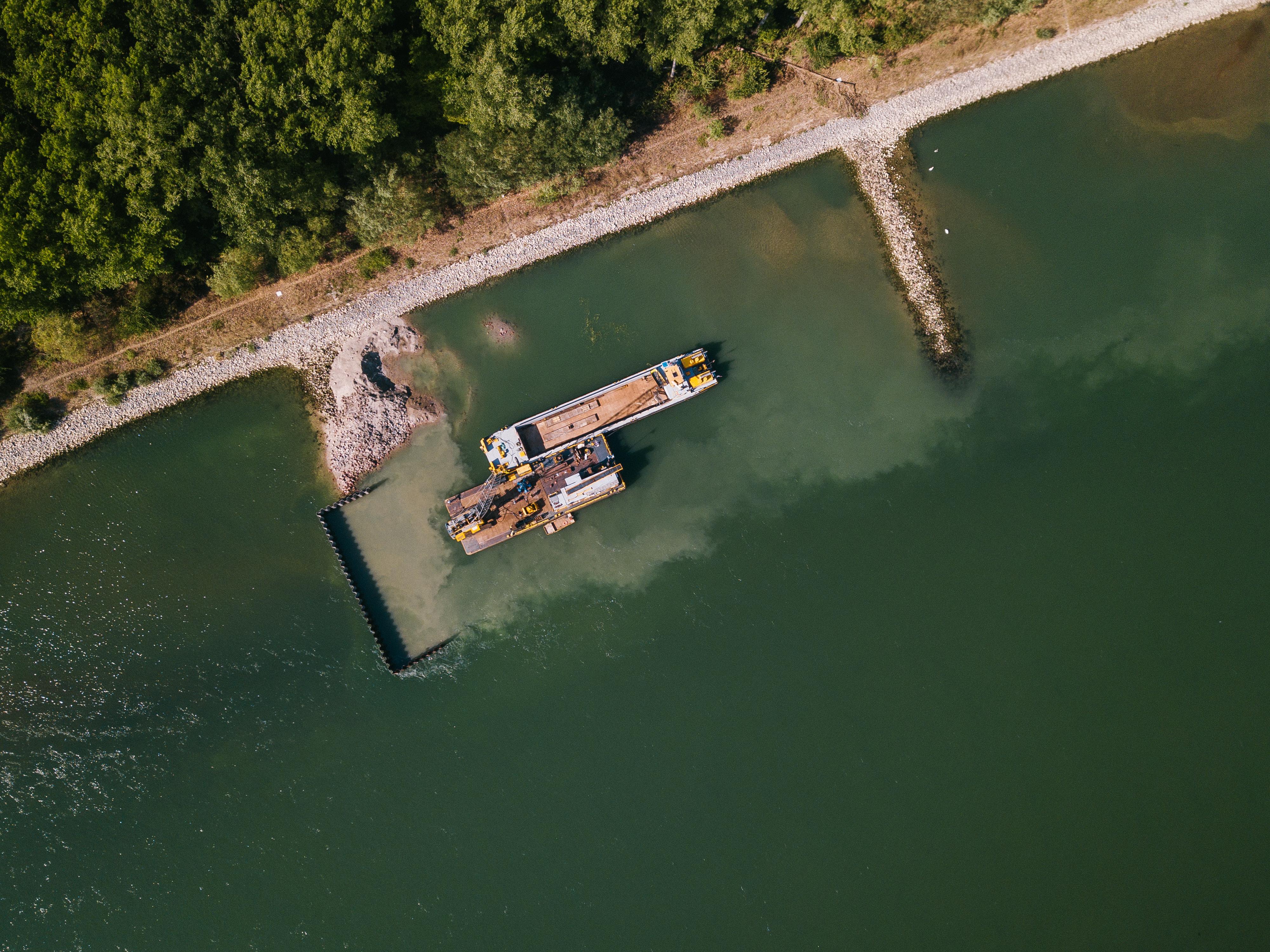 Dampflok Im Rhein Gefunden